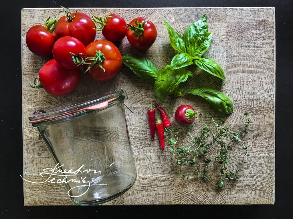 Canning recipes. │food preservation│home canning tomatoes│homemade recipe│how to can│how to preserve│home cannig│how to can tomatoes│tomatoes recipes│canned tomatoes│