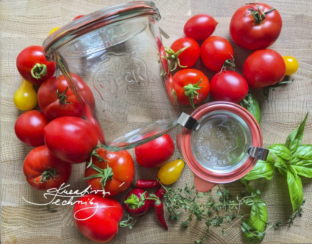 Canning tomatoes. Canned tomatoes. Tomatoes canned in their own juice. Food preserving. Preserving recipes.