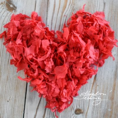Valentine's Day: Valentine Paper Decorations