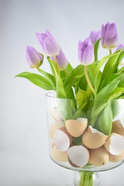 Jarní výzdoba na Velikonoce: kytice tulipánů trochu jinak