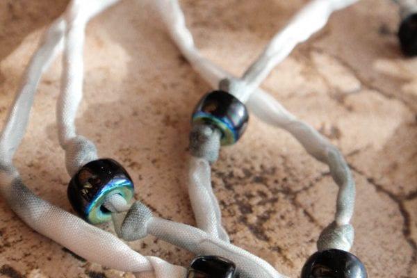 Hledáte návody na kreativní tvoření? Vyrobte si krásný originální náhrdelník!