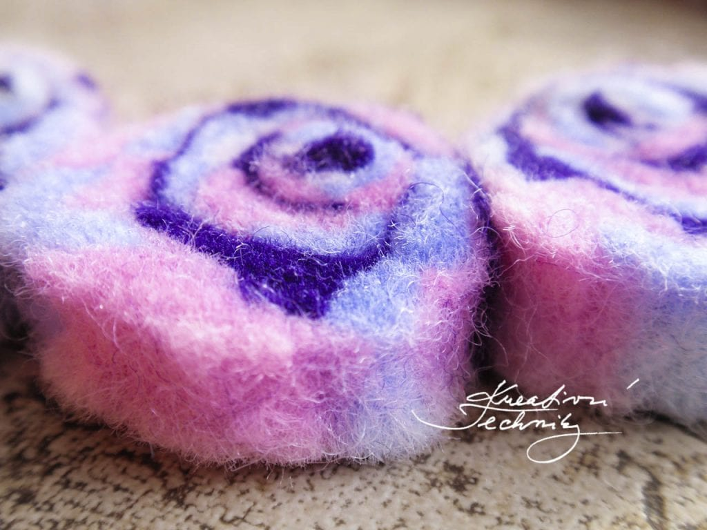 felting, wet felting instruction, felting instruction, creative crafts tutorials, creative free tutorial, free tutorials, handmade, creative instructions, diy tutorials, creative crafts for adults, handmade tutorials and techniques, jewelry making at home