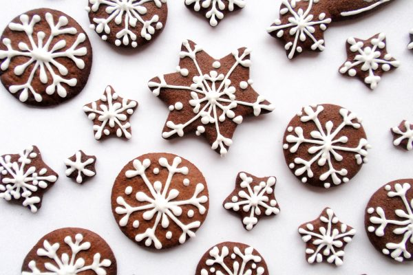 Christmas gingerbreads: recipe and decoration