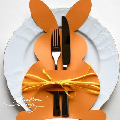 Easter crafts for children: Easter Bunny table decoration