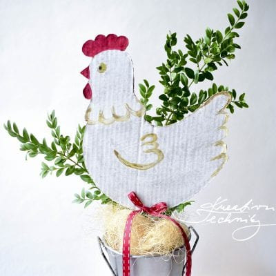 Easter Hen: Paper crafts