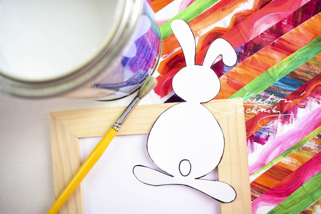 Velikonoční dekorace. Pdf šablona. Velikonoční zajíček. Velikonoční obrázek. Použitý materiál. Výroba velikonoční dekorace z papíru. DIY. Kreativní tvoření.