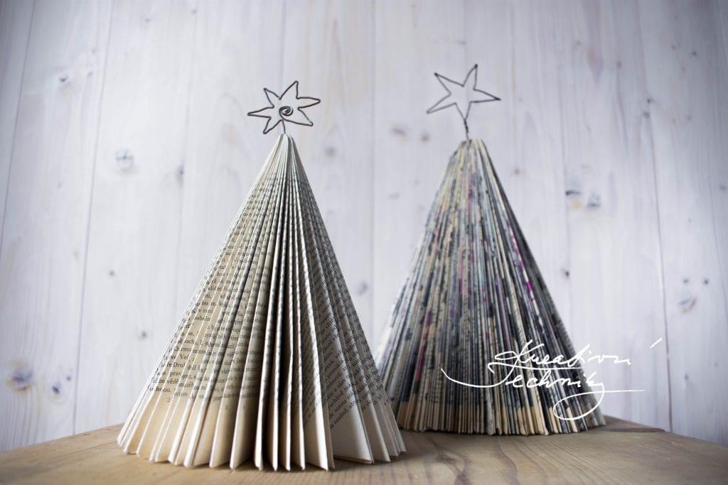 Vánoce. Tvoření vánoční dekorace z papíru. Vánoční tvoření inspirace. Vánoční nápady na tvoření. Vánoční tvoření s dětmi. Vánoční dekorace tvoření s dětmi. Návody na tvoření vánoční dekorace z papíru. Výroba vánoční dekorace. Domácí výroba vánočních dekorací. Vlastní výroba vánoční dekorace. Vánoční stromeček z papíru. Vánoční stromek z papíru.