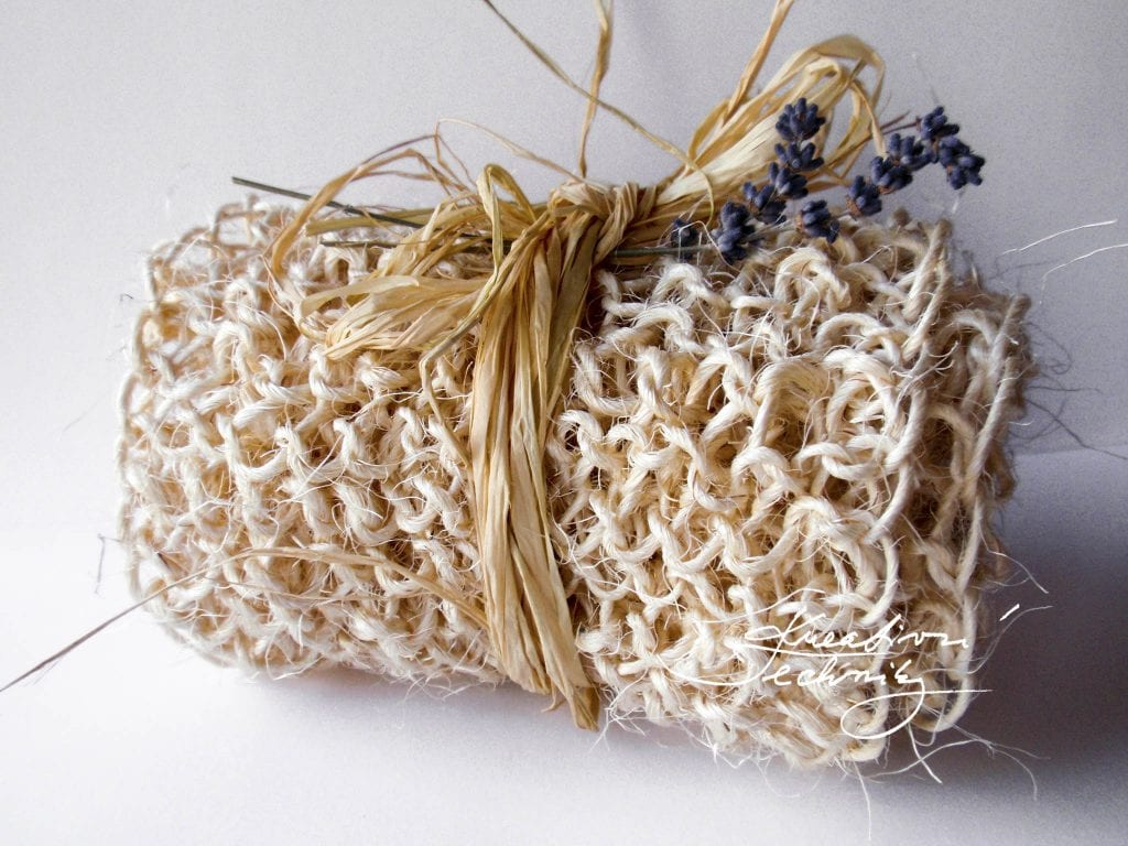 Knitting pattern. Knitted back scrubber. Knitting step by step tutorial. Sisal DIY. Sisal crafts. Knitting gifts ideas.
