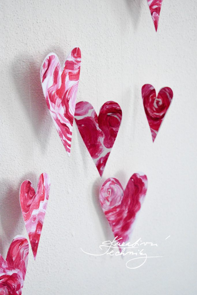 Valentine's Day Heart. Valentine's Day decor DIY. Heart curtain. Valentine's Day DIY. Valentine's Day Crafts. Valentine's Day decoration. Heart motif.
