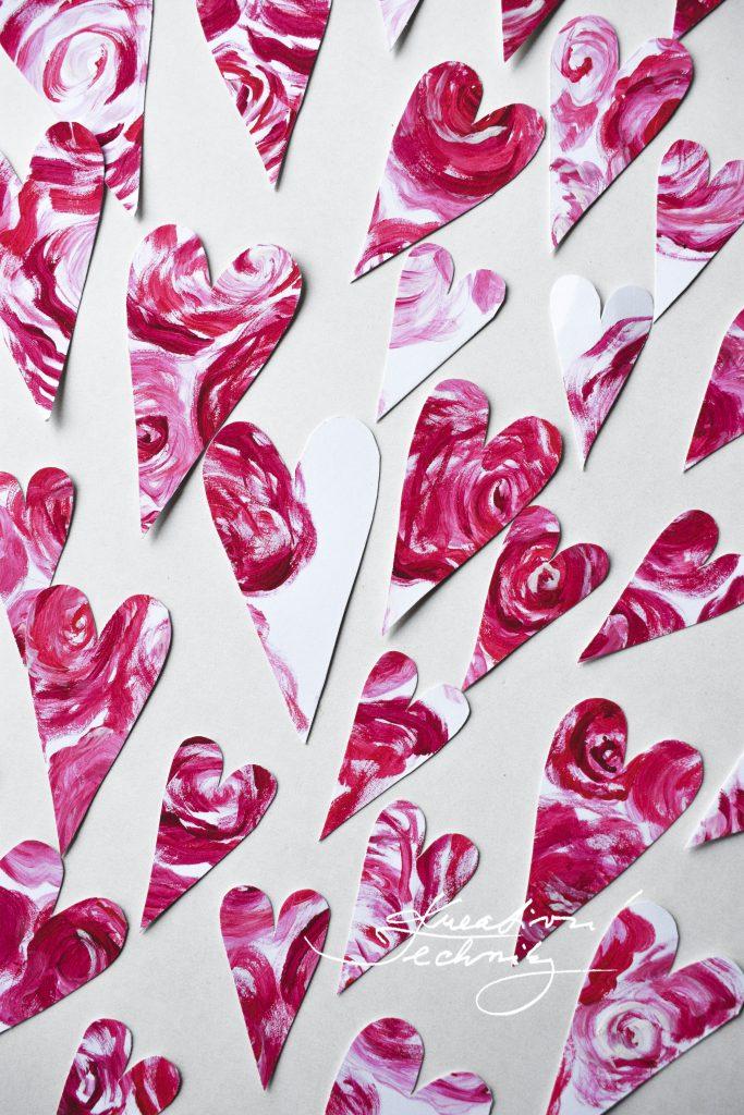Dekorace na Valentýna. Valentýnské tvoření. Svatý Valentýn. Diy, výroba vlastní originální dekorace. Vyrobíme si doma. Pdf šablona.