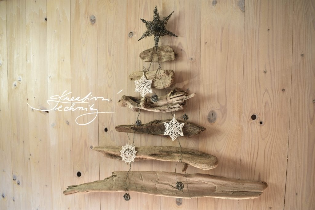 hygge christmas, hygge christmas decor, hygge christmas decorating ideas, hygge christmas diy, hygge christmas crafts, hygge christmas tree decorations, hygge decor, hygge home inspiration, hygge home inspiration decor, hygge decor inspiration, christmas tree, christmas tree ideas, wooden christmas tree, wooden christmas tree diy, wood decoration diy, christmas wood decor diy, christmas wood decor,