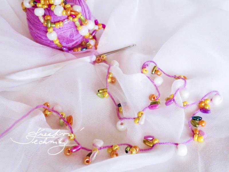Háčkovaný náhrdelník. Háčkovaný šperk. Návody na háčkování. Ruční práce. DIY. Návody na korálkování.