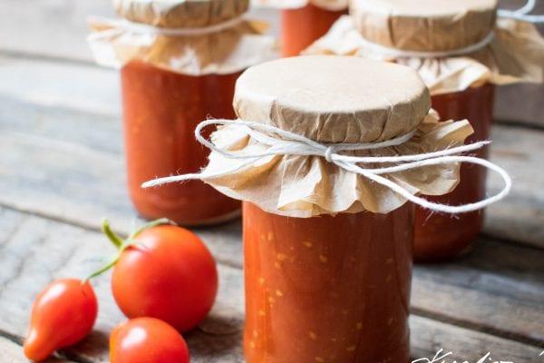 Domácí kečup s jemnou kořeněnou chutí