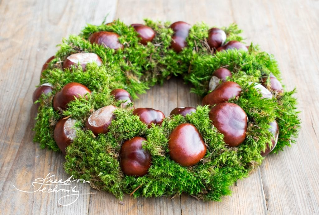 DIY decor, Autumn Wreath, Chestnuts and moss, Front door decoration, Autumn creating, Wreath decoration, Autumn Decoration, Chestnuts wreath.