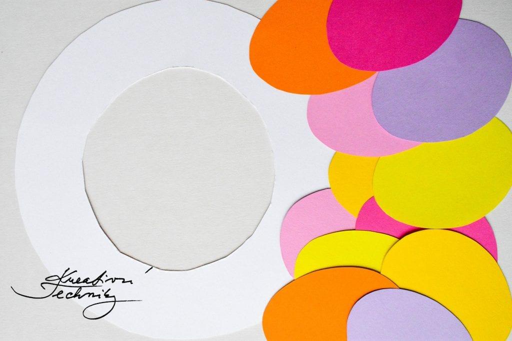 Velikonoční věneček na dveře. Velikonoční věnec. Velikonoční vajíčka. Výroba velikonoční dekorace. Barevná velikonoční vajíčka. Velikonoční výzdoba. Velikonoční dekorace z papíru. DIY. Kreativní tvoření.