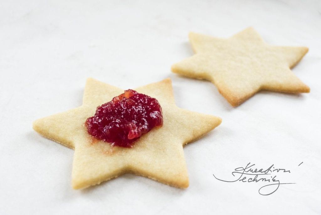 linzer cookies christmas, christmas recipes, christmas table decorations, linzer, linzer cookies, linzer plätzchen, Linzer Cookies Christmas Tree, christmas decorations, christmas cookies, christmas cookies recipes, linzer plätzchen rezept, linzer cookies recipe, linzer cookies recipe easy, linzer recept, linzer tart cookies, linzer tart cookies recipe, linzer tart cookies easy, linzer cookies recipe, easy christmas cookies, linzer dough, linzer cookie dough recipe, linzer cookie dough, cookies recipes,