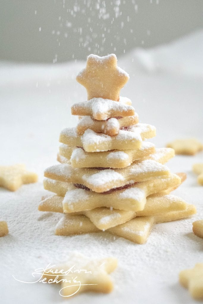 Linecké cukroví. Vánoční cukroví. Vánoční linecké cukroví. Linecké cukroví od babičky. Linecké cukroví recept. Nejlepší linecké cukroví. Linecké. Linecké cukroví hned měkké. Slepované cukroví. Domácí cukroví. Linecké koláčky. Linecká kolečka. Vánoční stromeček. Linecké těsto. Linecké těsto pro začátečníky recept. Linecké těsto odležet.