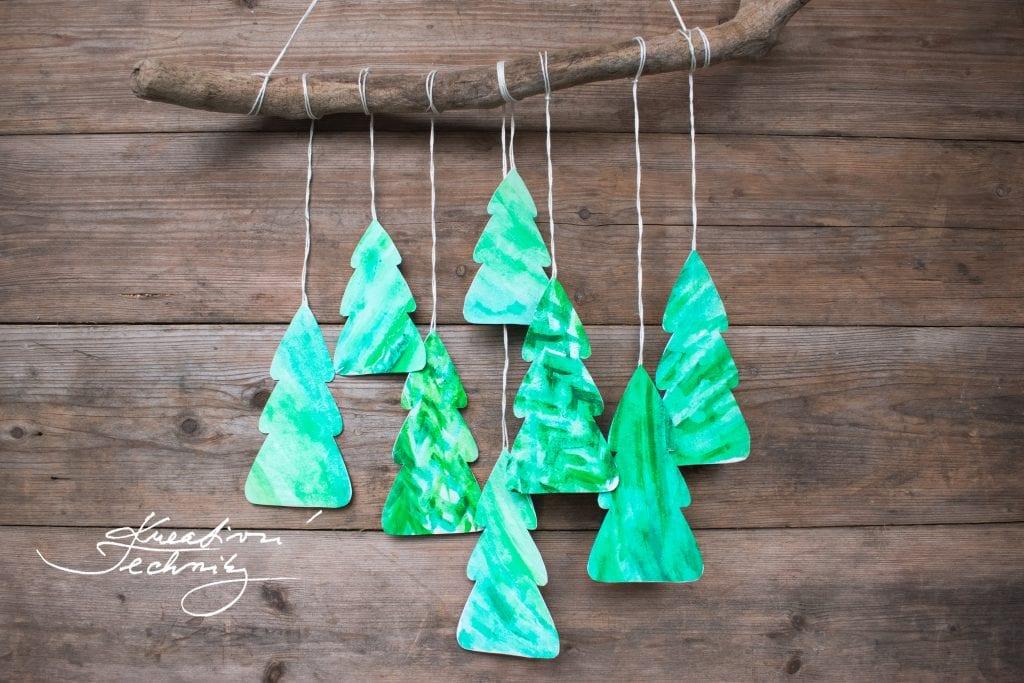 Vánoční dekorace tvoření. DIY: Vánoční stromeček. Tvoření s dětmi. Vánoční tvoření s dětmi. Vánoční dekorace tvoření s dětmi. Tvoření s dětmi. Kreativní tvoření. Vánoční tvoření. Kreativní tvoření návody. Vánoční tvoření inspirace. Návody na kreativní tvoření zdarma. Vánoční nápady na tvoření. Vánoční tvoření s dětmi. Vánoční dekorace výroba. Vánoční dekorace DIY. Vánoční dekorace z papíru. Vánoční tvoření z papíru s dětmi. Výrobky z papíru na vánoce.
