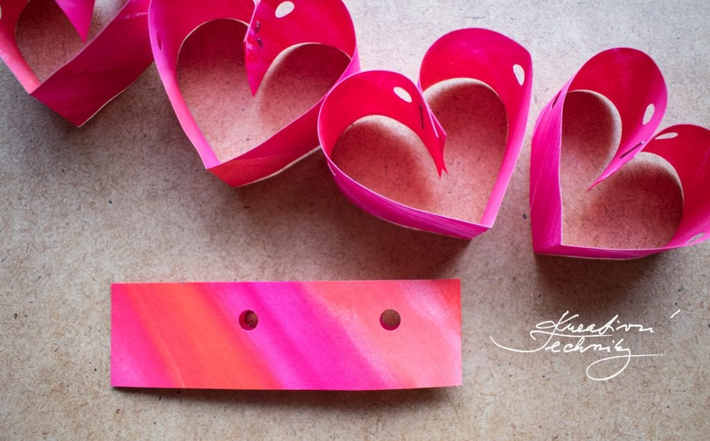 DIY Ideas. Valentine's Day crafts. Valentine's Day, DIY Crafts. Valentine's Day DIY. Heart Garland. Valentine's Day Decoration.