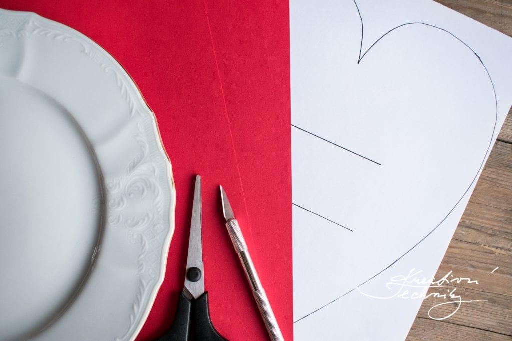 Valentýn, valentýnské dekorace nápady a návody, srdce šablona, DIY, valentýnské tvoření, výroba valentýnské dekorace, DIY dekorace, svátek zamilovaných, svátek svatého Valentýna