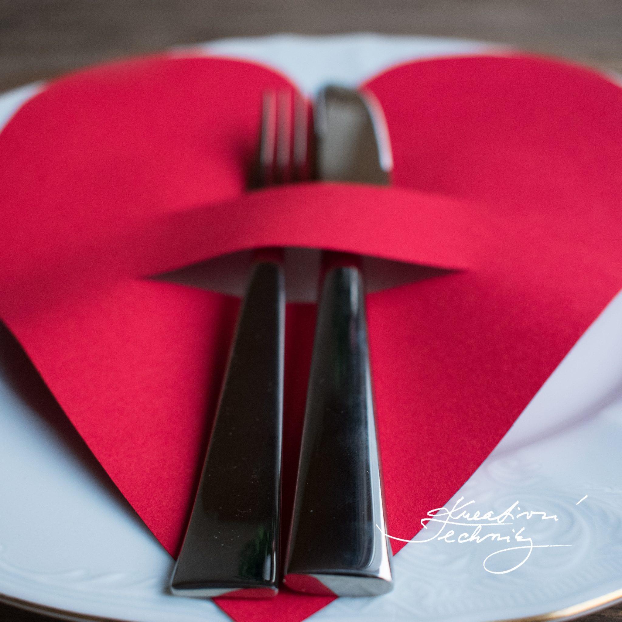 Valentýn, valentýnské menu, DIY, valentýnské tvoření, výroba valentýnské dekorace na stůl, DIY, svátek zamilovaných, svátek svatého Valentýna