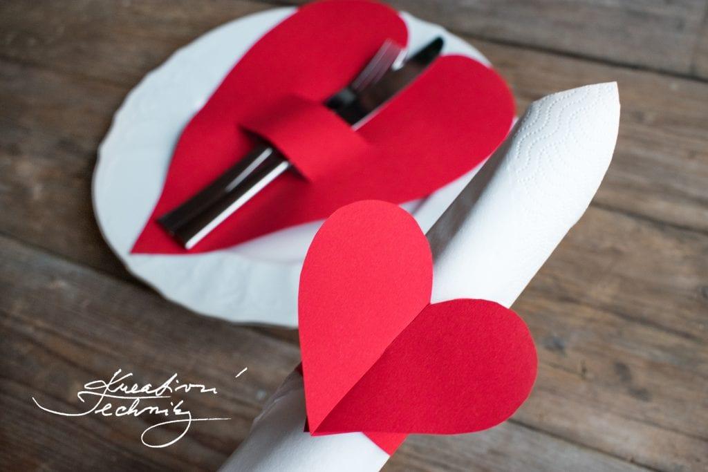Valentýn, valentýnské menu, DIY, šablona srdce, valentýnské tvoření, výroba valentýnské dekorace, DIY dekorace, svátek zamilovaných, svátek svatého Valentýna