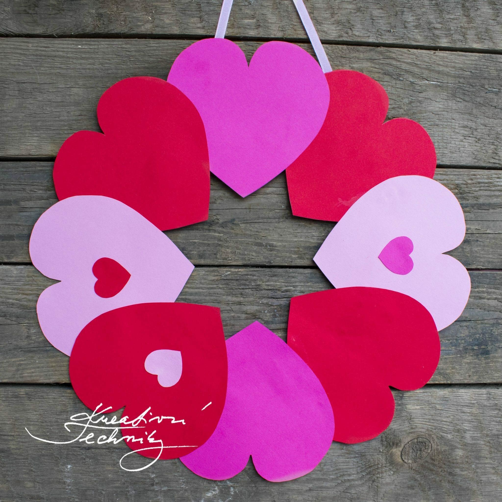 Valentýnské tvoření DIY, ruční práce, Valentýn, valentýnská dekorace, věnec na dveře
