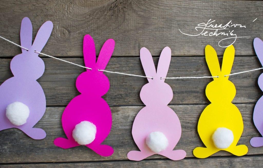Velikonoční dekorace do dětského pokoje. Girlanda z papíru. Výroba velikonoční dekorace. Velikonoční zajíček. Velikonoční králíček. Velikonoční výzdoba. Velikonoční dekorace z papíru. DIY. Kreativní tvoření.