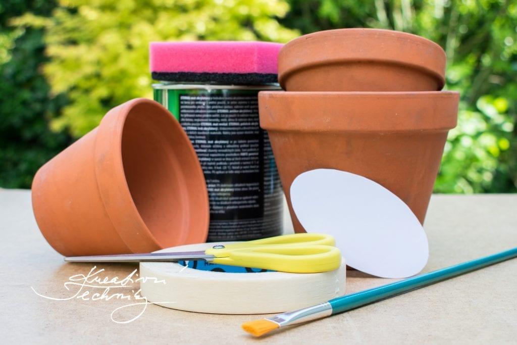 Kreativní tvoření. DIY. Dekorace. Výroba. Zahradní dekorace. Venkovní květináče. Malování. Výroba dekorace.