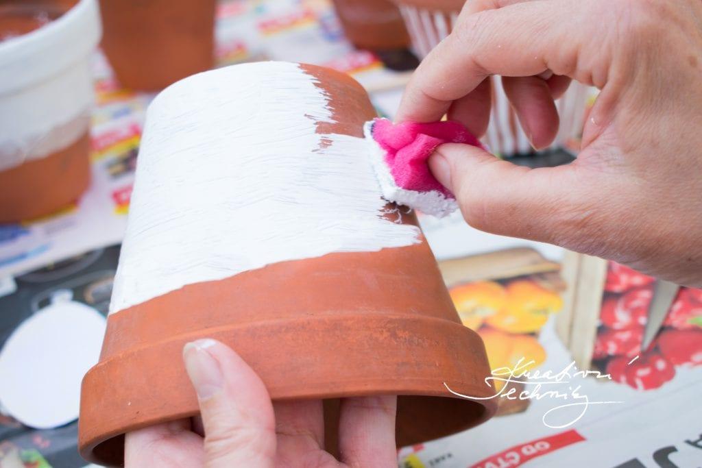 Květináče DIY. Nápady na květináče. Jak vylepšit květináče. Kreativní tvoření. DIY. Dekorace. Výroba. Zahradní dekorace. Květináče zahradní. Květináče tvoření