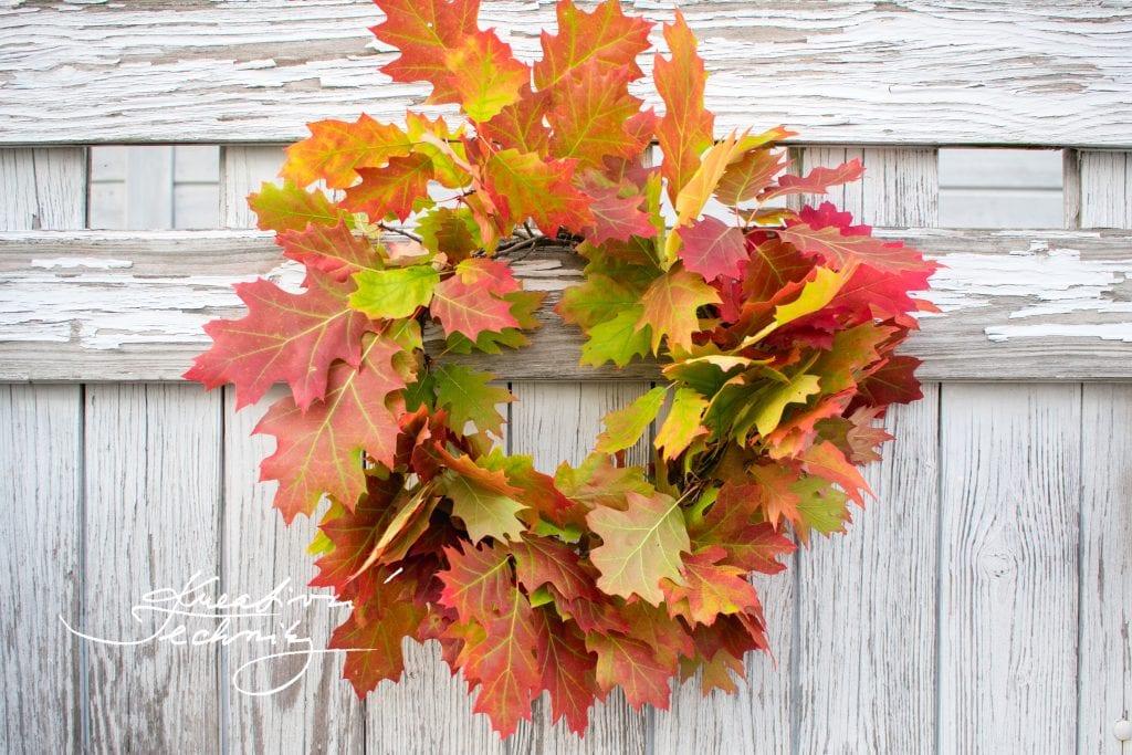 Věnec z listů. Věnec z listí. Podzimní věnec z listů. Podzimní věnec na dveře. Podzimní dekorace. Výroba dekorace. DIY. Inspirace. DIY návody a nápady. Podzimní věnce na dveře. Podzimní věnce. Podzimní dekorace na dveře. Podzimní dekorace věnce. Podzimní věnec. Podzimní věnec na dveře. Věnec na dveře. Podzim. Podzimní výzdoba. Podzimní nápady Podzimní tvoření.