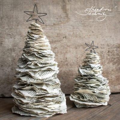 Vánoční dekorace z papíru: stromečky ze starých knih