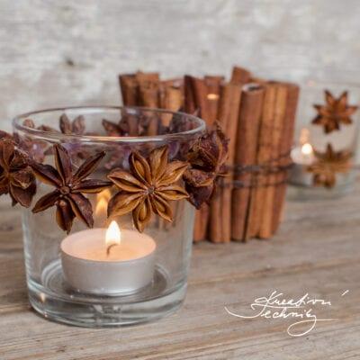 Vánoční svícen se skořicí a badyánem
