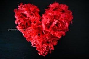Výroba valentýnská dekorace. Valentýn. Valentýnská dekorace z papíru, Valentýnská dekorace na stůl. Valentýnské tvoření. Valentýnská výzdoba. Valentýnská večeře. Valentýnská srdíčka, DIY. Srdce na Valentýn....