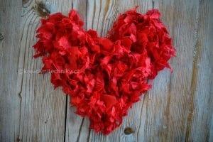 Valentýn. Valentýnská dekorace z papíru, Valentýnská dekorace na stůl. Valentýnské tvoření. Valentýnská výzdoba. Valentýnská večeře. Valentýnská srdíčka, DIY. Srdce na Valentýn....